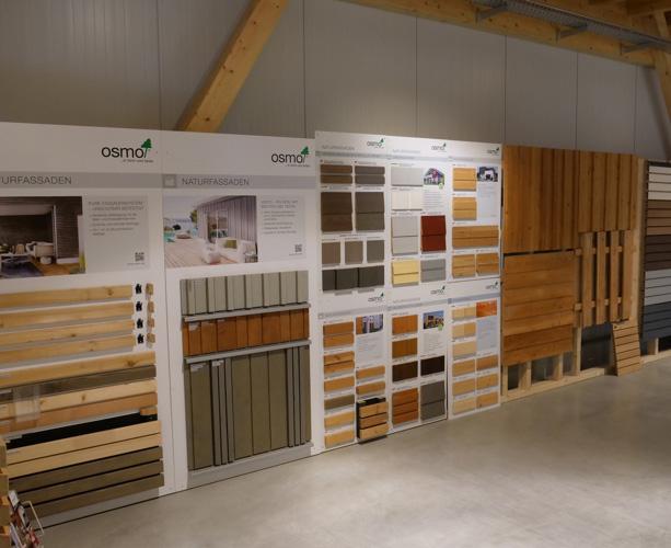 Pflegemittel in der Ausstellung von Holz-Wiegand in Würzburg.
