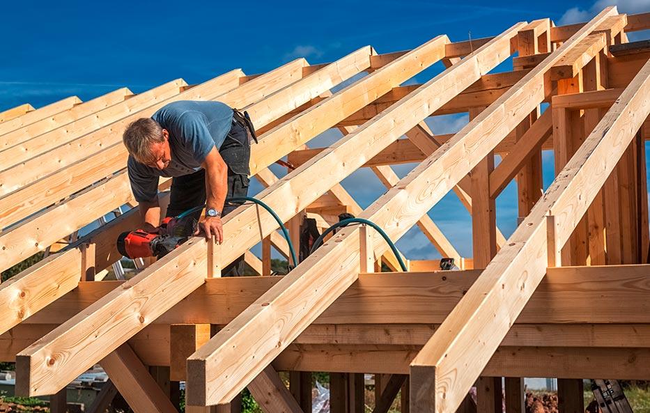 Hochwertiges Konstruktionsvollholz für den Bau bekommst Du bei Holz-Wiegand in Würzburg.