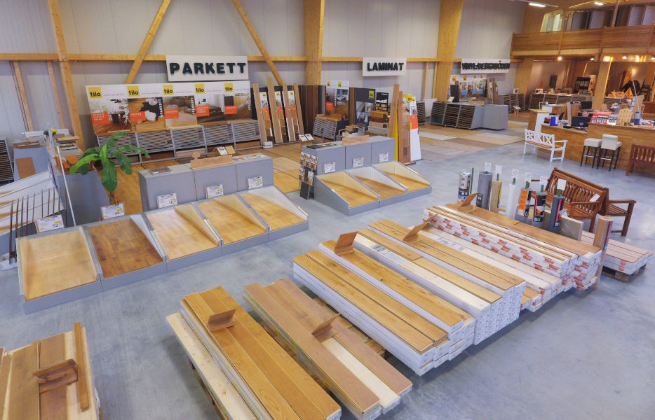 In der großen Ausstellung von Holz-Wiegand in Würzburg findest du Ideen für Wohnen, Garten und Bauen.