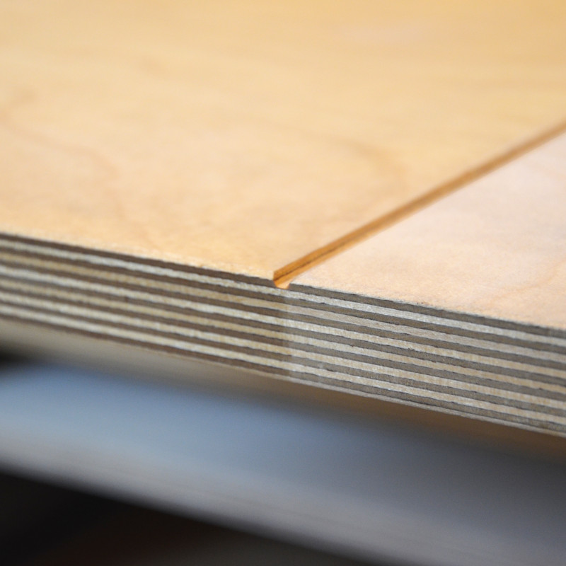 Multiplexplatte Birke (21 mm) bei Holz-Wiegand in Würzburg.