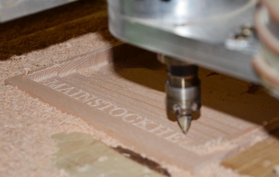 Bei Holz-Wiegand erhältst du professionelle Holzbearbeitung in vielen Bereichen.